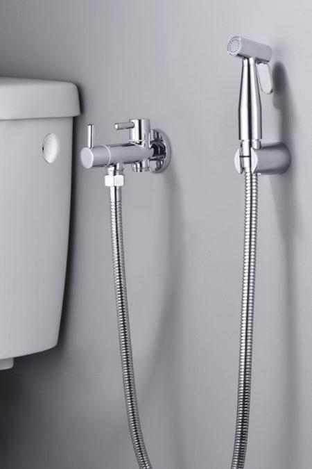 Razones para instalar un grifo de bidé en el cuarto de baño